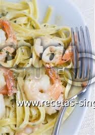 Espaguetis Chatos De Arroz Con Bogavantes Y Verduras
